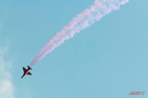 Самолет Як-130.