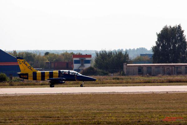 Самолет Аэро Л-39 «Альбатрос» пилотажной группы Baltic Bees.
