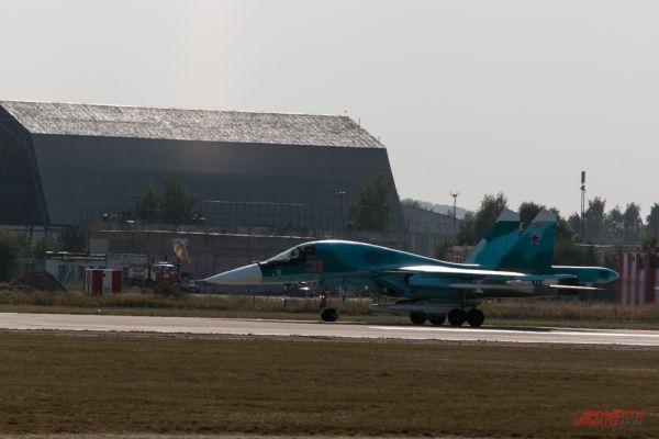 Истребитель Су-30СМ.