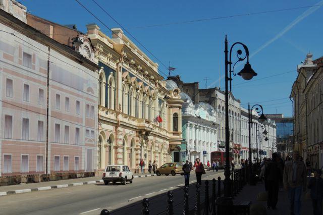 При ремонте ул. Рождественской пошли по простому пути: чтобы было чистенько.