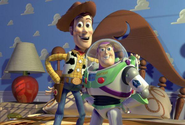 В 1995 году Книга рекордов Гиннесса назвала главными событием первый полнометражный компьютерный мультфильм «История игрушек».