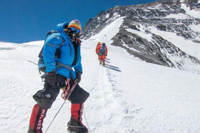 Член попечительского совета Иркутского отделения РГО Владислав Лачкарёв покорил Эверест.