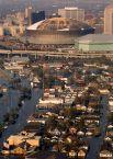 Город и его окрестности покинули более миллиона человек, около 80 % местного населения. Перед магазинами и автозаправочными станциями выстроились длинные очереди. Беженцы пытались запастись водой, продуктами и бензином.