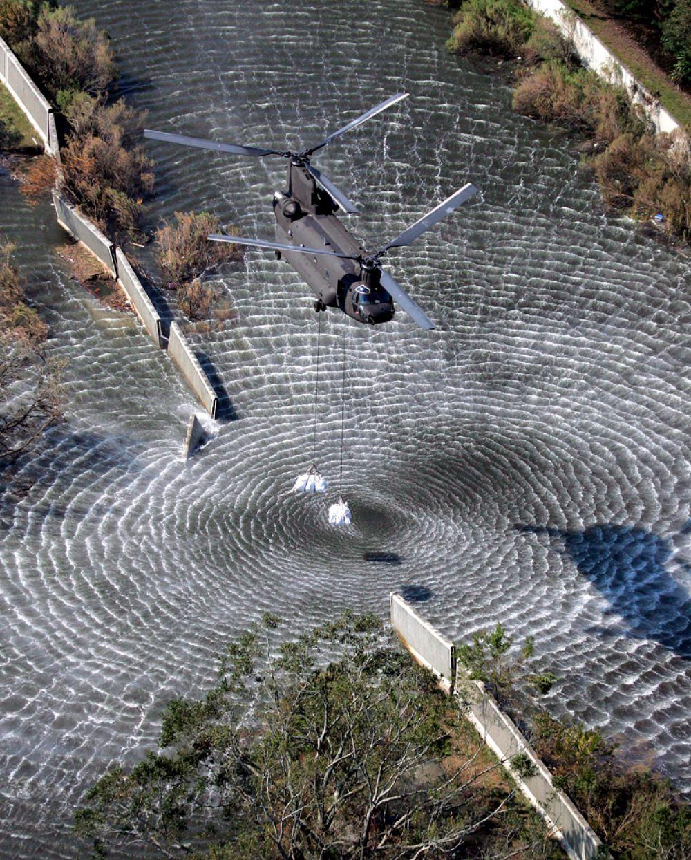 Крыша «Супердоума» была повреждена сильнейшим ветром. Спасение людей из затопленных районов проводилось с помощью лодок и вертолётов.