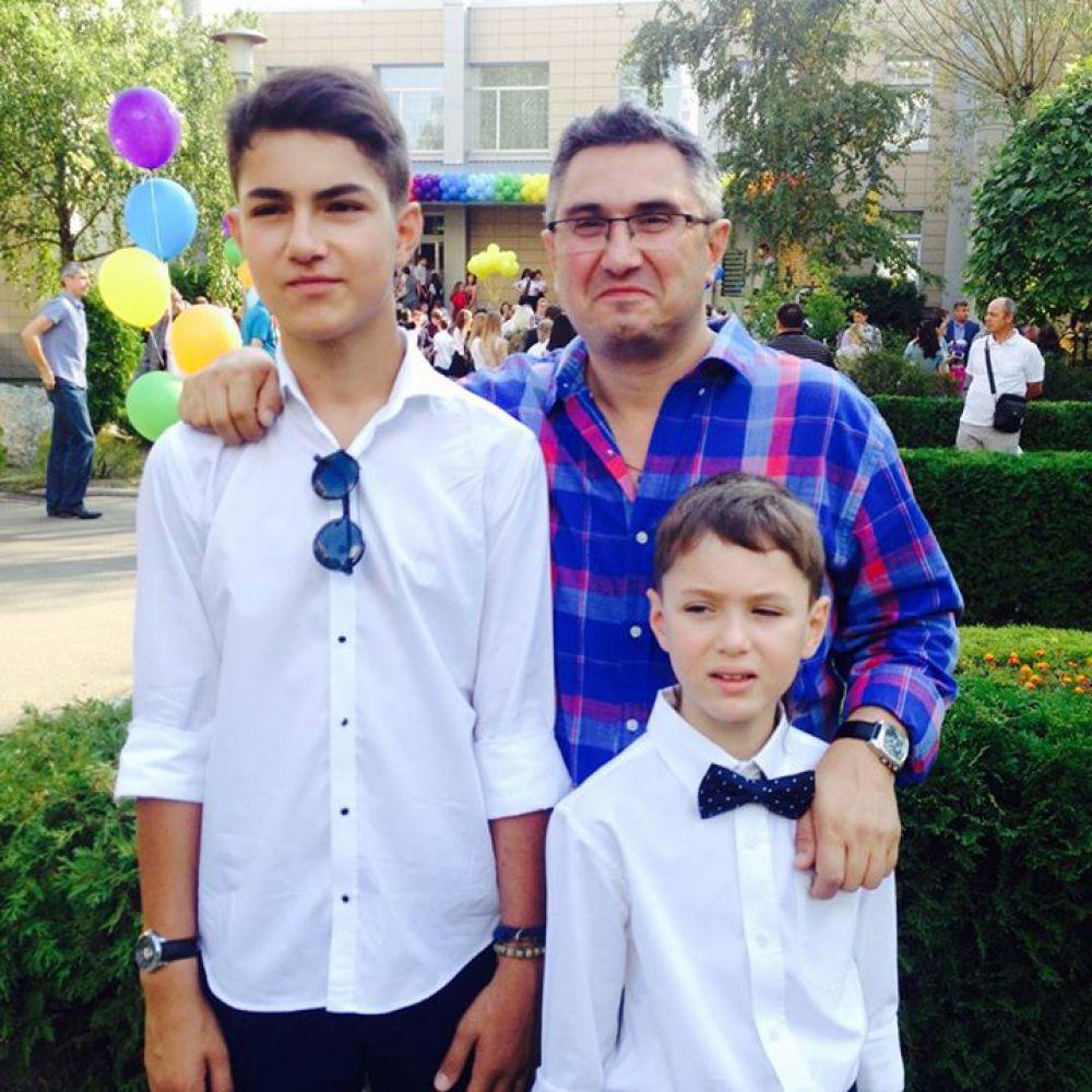 Вахтанг Кипиани с сыновьями Иларионом и Давидом