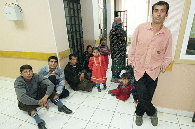 Официальная безработица в Узбекистане - всего 4%, но на деле в 10 раз больше.