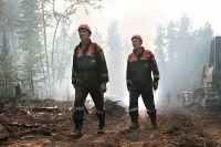Ветер и засуха не дают возможности быстро справиться с лесным пожаром в Ольхонском районе.