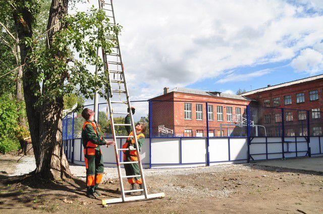 Открытие спортплощадки ученики школы № 114 ждали давно.