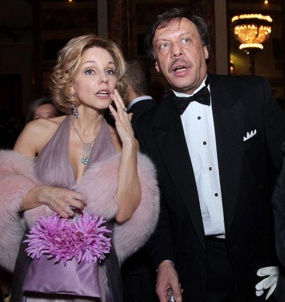 Будучи студенткой, Марина Зудина уже успела сняться в нескольких фильмах. Одна из первых ролей – Валентина в картине «Валентин и Валентина» Георгия Натансона.