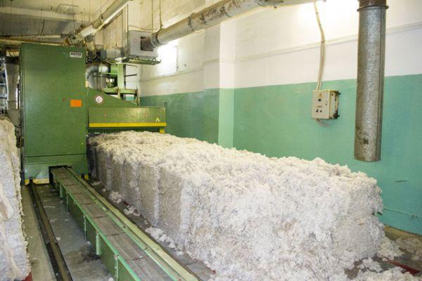 Основным сырьем для выработки тканей на «Камышинском текстиле» является хлопковолокно, которое поставляется из стран ближнего зарубежья.