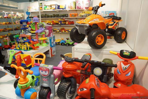 Какая детская выставка без разнообразных игрушек?