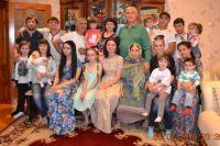 Семья Имамерзаевых в сборе - с мамой, детьми, внуками.