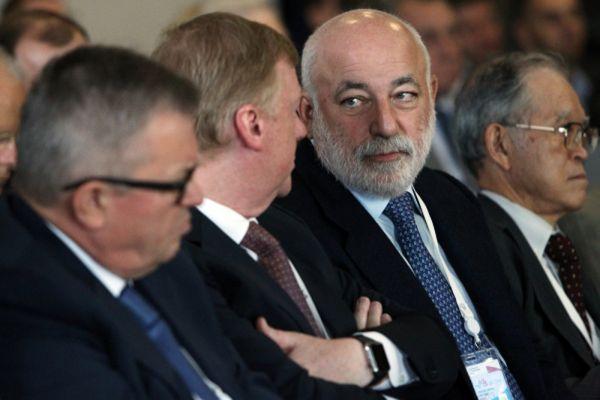 Председатель совета директоров группы «Ренова» Виктор Вексельберг.