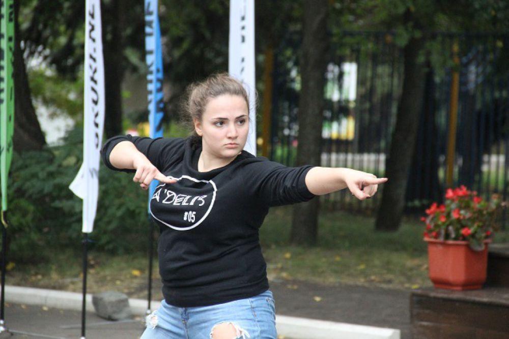 Все танцоры получили дипломы участников первого в Пензе Фестиваля уличных танцев.