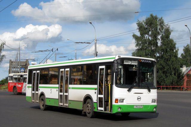 Власти Екатеринбурга пообещали сохранить льготы на транспорте