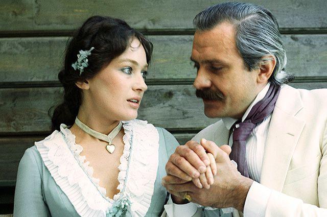 Кадр из фильма «Жестокий романс», 1984 г.
