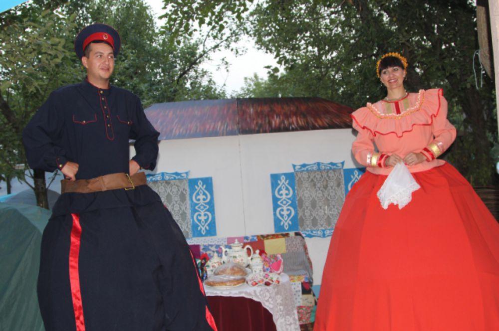 На всех фольклорных праздниках на Дону показывается тематика казачества.
