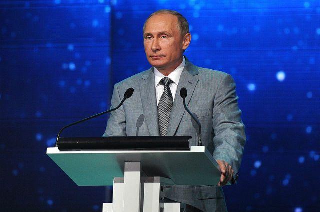 Владимир Путин привел войска ЦВО в полную боевую готовность