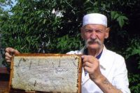 В 91 год Владимир Гончаренко занимается пчеловодством.