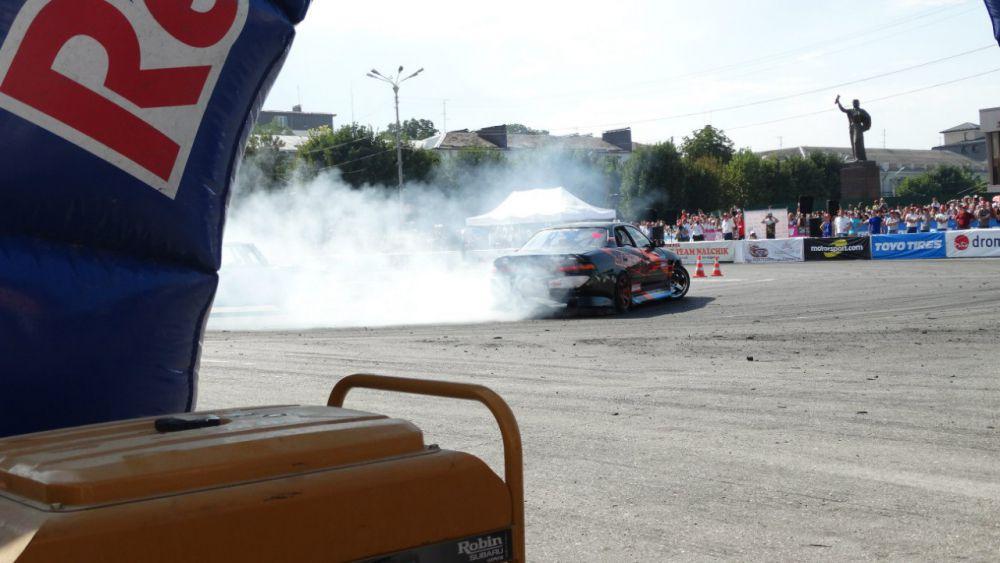 Суммарная мощность автомобилей, участвовавших в соревнованиях, составила 5897 лошадиных сил.