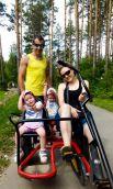 Марина Новикова с семьей.