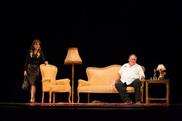 Спектакль, который сыграли актеры в Иркутске, называется «Музыка». По мнению Депардье он очень похож на то, о чём говорил Денис Мацуев, рассказывая о манере игры Рихтера: сначала - долгое ожидание, а потом кульминация - нота «соль».