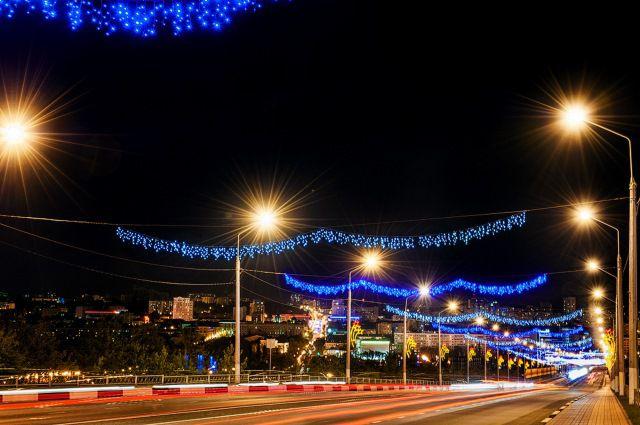 В Омске еще на двух улицах появятся фонари.