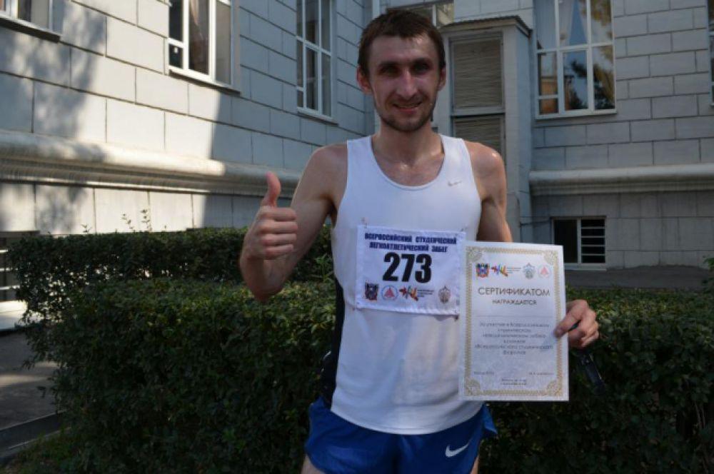 Абсолютным победителем стал Евгений Егоров из Целинского района. 14 км он преодолел за 47 минут. «Не надеялся на победу, по дистанции шёл вторым. Однако уже перед финишем соперник подустал, и мне удалось его опередить», - признался он «АиФ-Ростов».