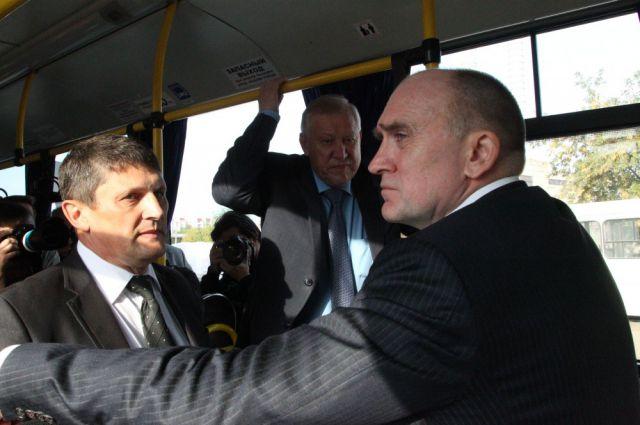 Тефтелев прокатил Дубровского на современных автобусах на метане