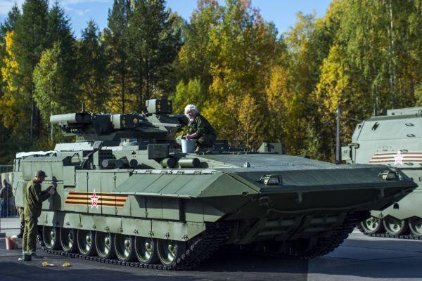 Боевая машина пехоты БМП Т-15 «Армата».