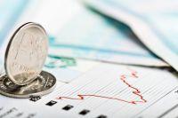 Рубль с начала июня уже обвалился почти на 40%.