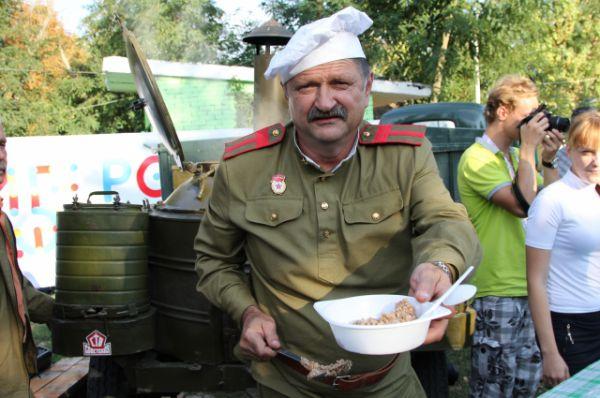 Солдатскую гречневую кашу съели за пару часов.