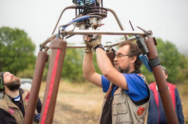Воздушный шар управляется двумя главными приборами: горелками и клапаном.