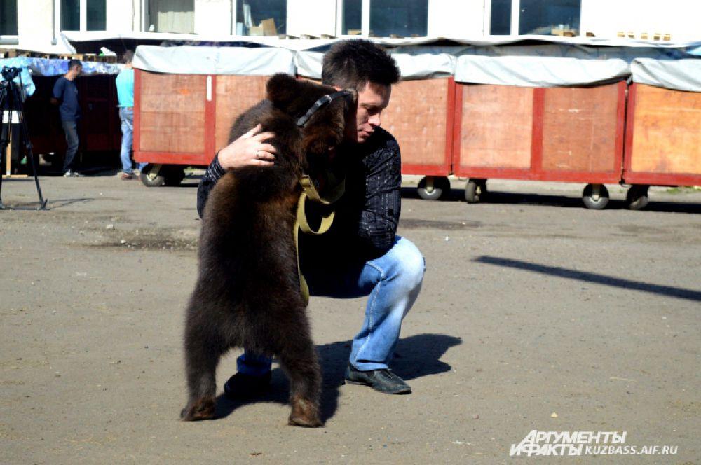 Медведице Лило всего 6 месяцев от роду.