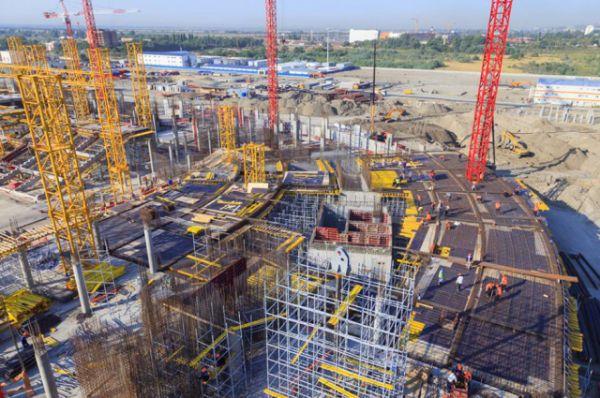 В марте 2015 г. в проект стадиона внесены изменения, что позволило уменьшить стоимость сооружения на 3 млрд. рублей.