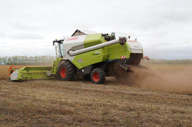 Уборка урожая в Омской области идёт полным ходом.