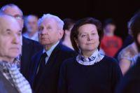 В 2010 году Наталья Комарова сменила на должности губернатора Югры Александра Филипенко.
