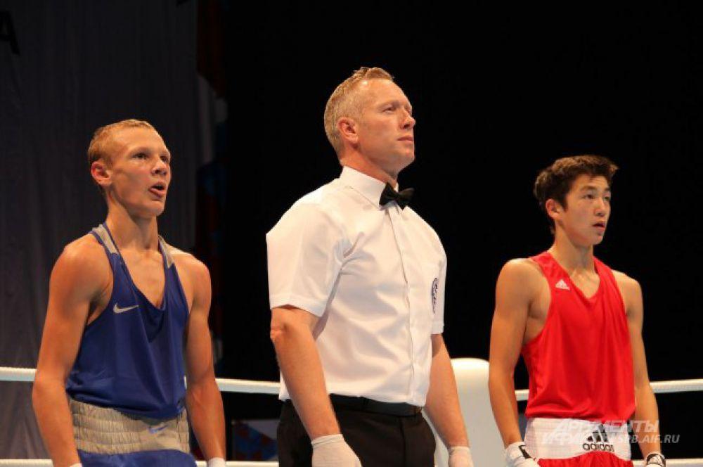 Россиянин Никита Пискунов (в синем) был одним из лучших.