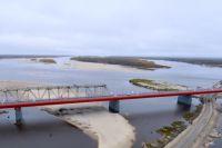 Общая длина моста - свыше 1300 метров.