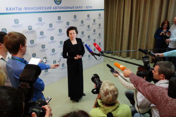 Наталья Комарова дает первое после избрания интервью окружным СМИ.