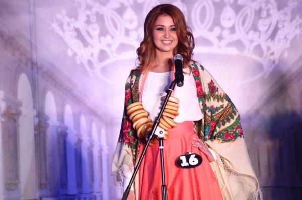 Анастасия Савина с народным костюмом победила в номинации «Донская красавица».