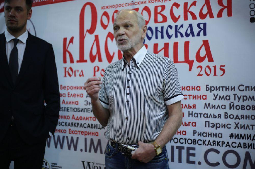 Ведущий конкурса Данила Дунаев и один из его организаторов - генеральный директор модельного агентства Михаил Степура.
