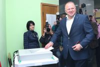 Николай Цуканов на выборах.