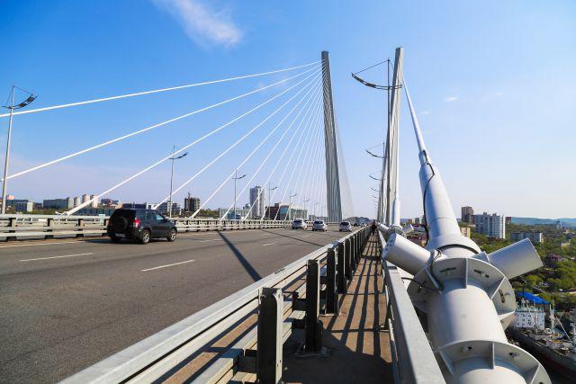 Строители сдали крупнейший мост в УрФО