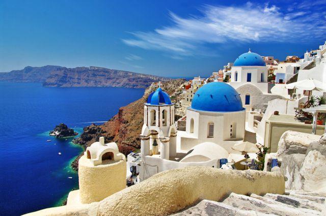 Греция привлекает туристов кухней, комфортным климатом, и, разумеется, морями.