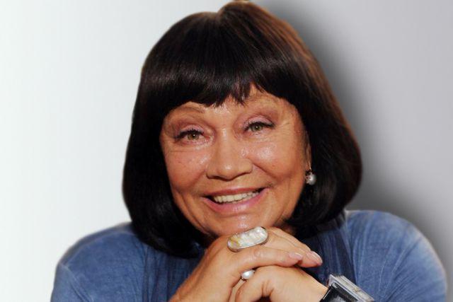 Лариса Лужина.