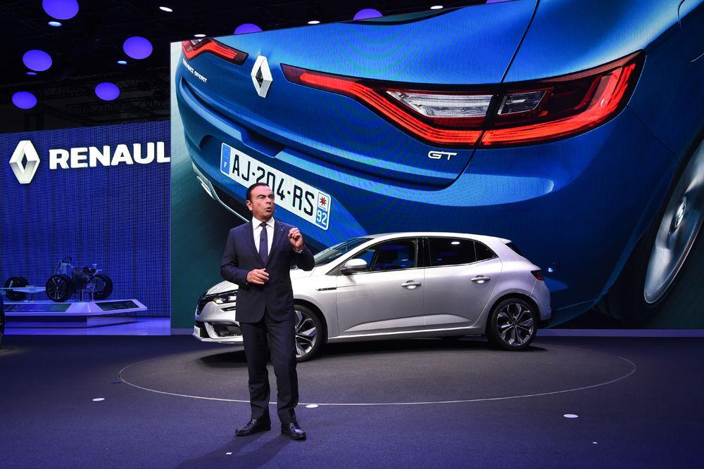 Renault Megane. Дизайн автомобиля выполнен в стиле более крупного универсала Talisman. Автомобиль стал ниже и шире. Базовая версия получила мотор 1,2 л мощностью 100 или 130 л.с. Кроме того, доступен бензиновый силовой агрегат 1,6 л мощностью 200 л.с., а также турбодизели, развивающие 90, 130 или 160 лошадиных сил.
