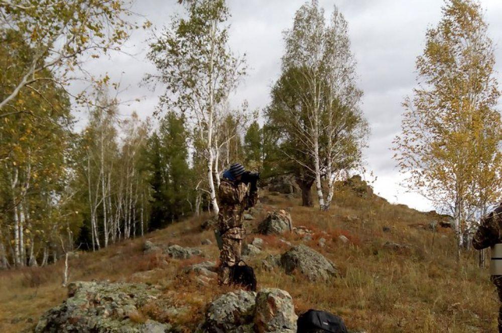 Заповедник расположен в юго-западной части Алтайского края, в том числе, на приграничных с Казахстаном землях.