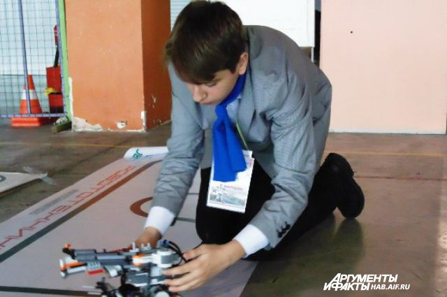Возможно,этот юный инженер будет участником одного из будущих дальневосточных конгрессов