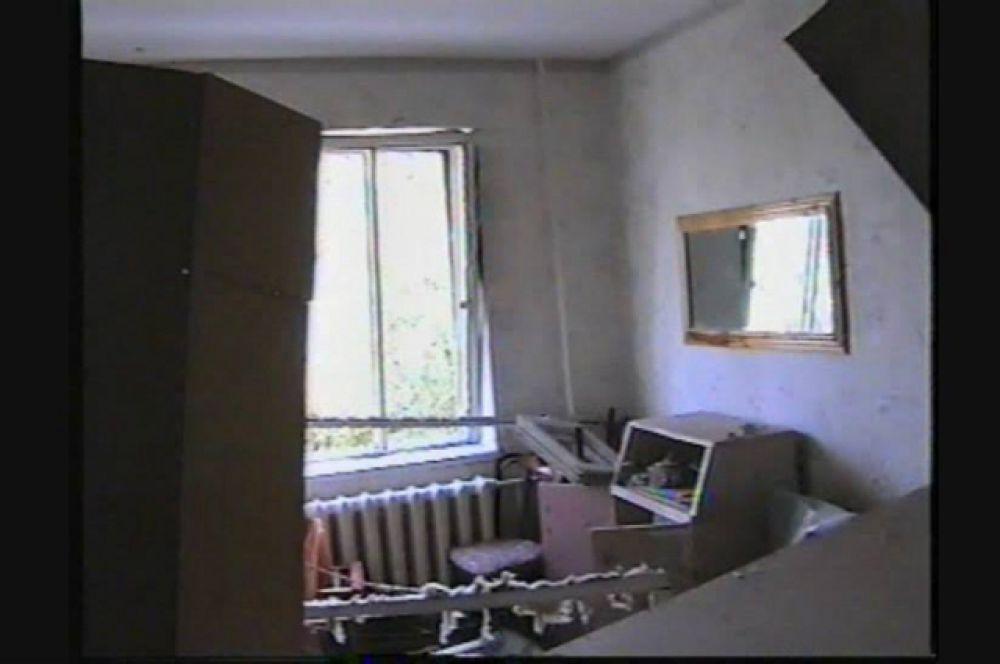 Так после вызрыва выглядели тысячи волгодонских квартир, попавших в зону взрывной волны.